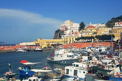 Ecoturismo Report A Ponza Alloggio Gratis Per Chi Pulisce La Spiaggia